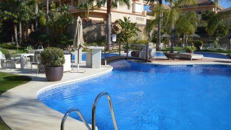 2 bedroom Apartment for sale in Nueva Andalucía – R3610253