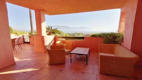 Apartamento de 3 dormitorios en venta en La Mairena – R3575566
