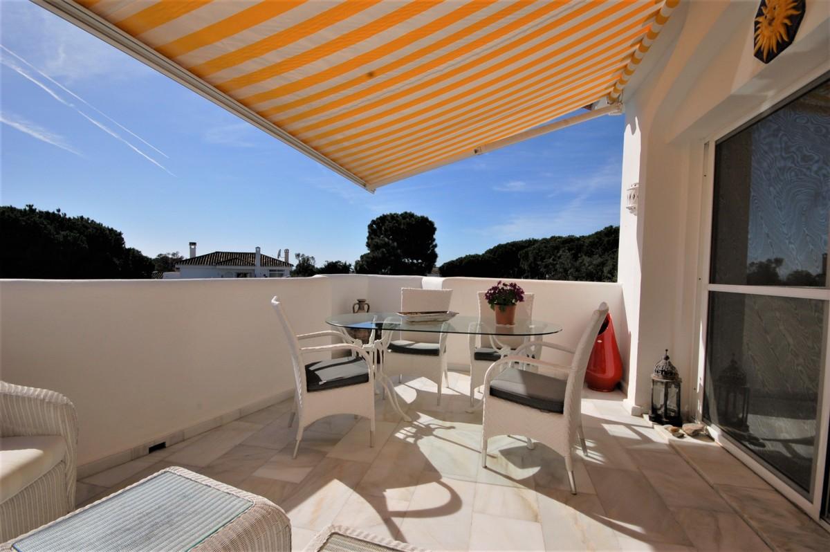 2 bedroom Penthouse for sale in Elviria – R3609746