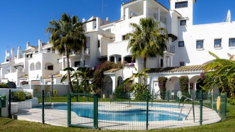 2 bedroom Apartment for sale in Puerto Banús – R3604319