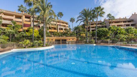 3 bedroom Penthouse for sale in Bahía de Marbella – R3605543 in