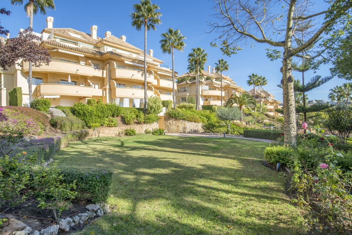 2 bedroom Apartment for sale in Elviria – R3554599