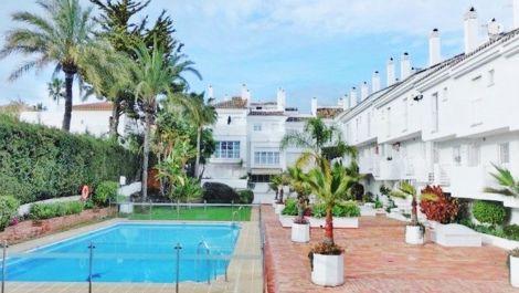 Atico de 3 dormitorios en venta en Nueva Andalucía – R3611096