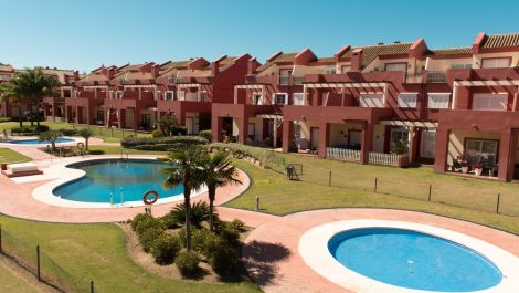 4 bedroom Townhouse for sale in San Roque – R3384280 in