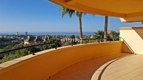 3 bedroom Apartment for sale in Elviria – R2956628 in