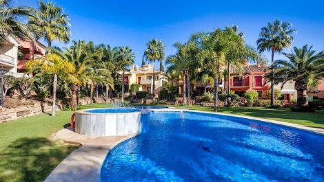 3 bedroom Townhouse for sale in Marbella – R2712221