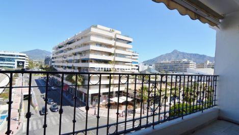 2 bedroom Apartment for sale in Puerto Banús – R3328996