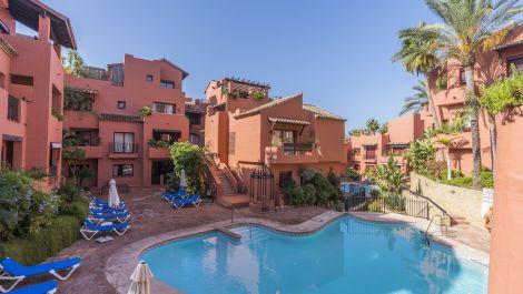 3 bedroom Apartment for sale in Elviria – R3360910 in