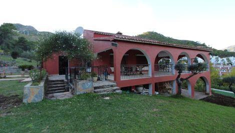 Villa de 5 dormitorios en venta en Benahavís – R3300862