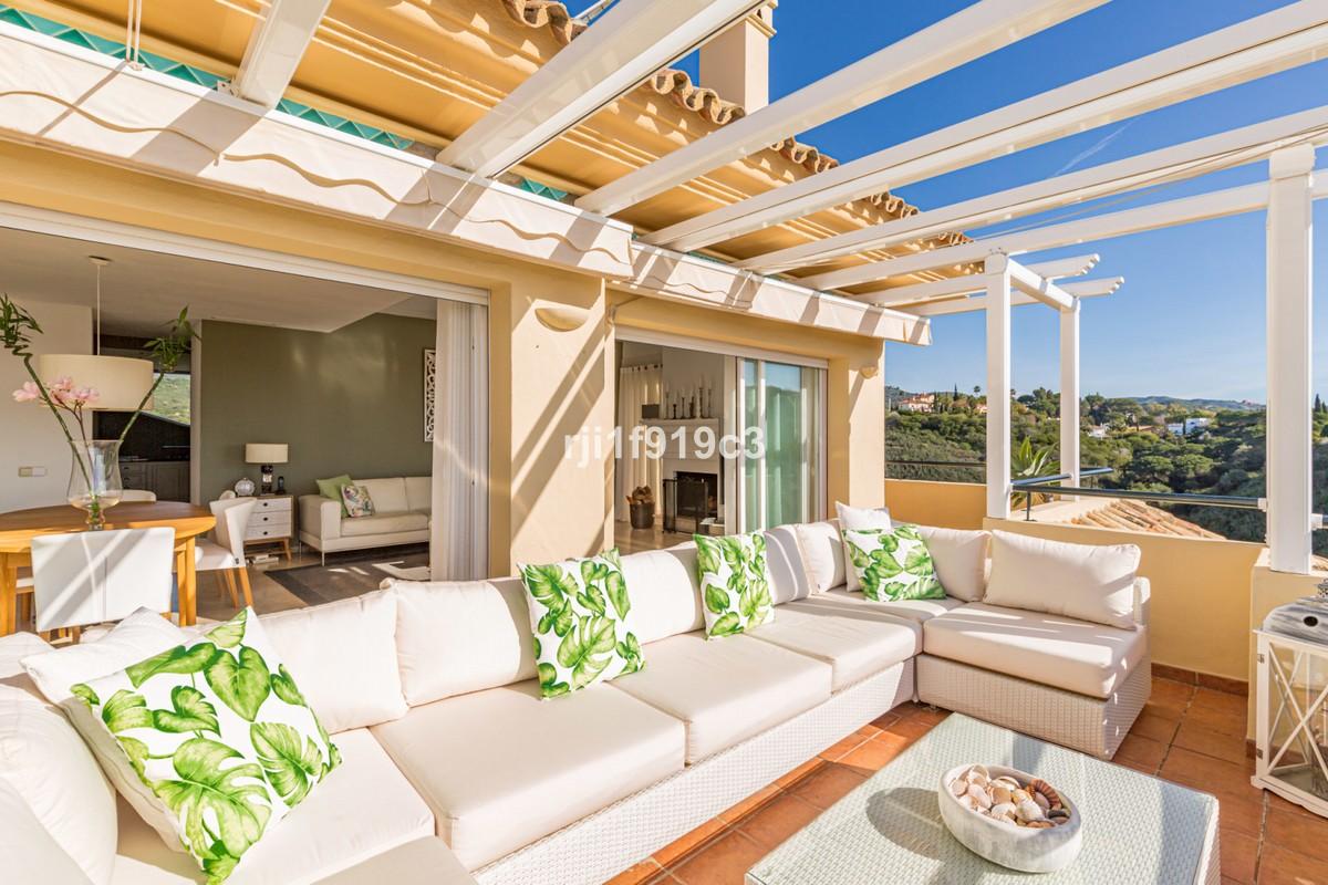 3 bedroom Penthouse for sale in Elviria Hills – R3096349
