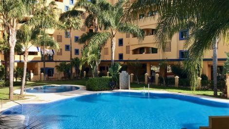 Apartamento de 3 dormitorios en venta en San Pedro de Alcántara – R3604967 en
