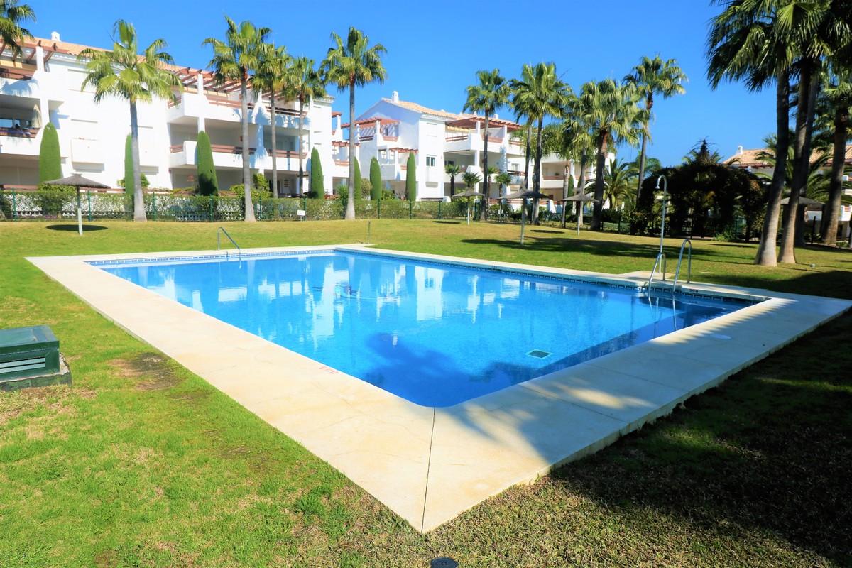 Apartamento de 3 dormitorios en venta en Selwo – R3608651