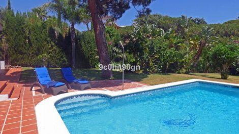 3 bedroom Villa for sale in Elviria – R3585442