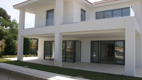 4 bedroom Villa for sale in Artola – R2456534 in