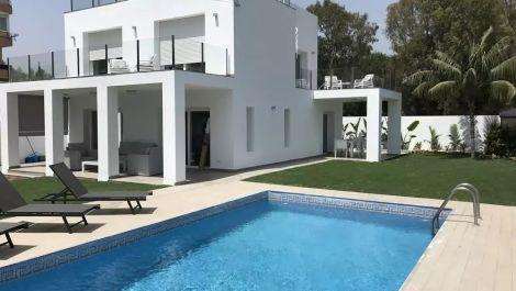 4 bedroom Villa for sale in Puerto Banús – R2974841 in