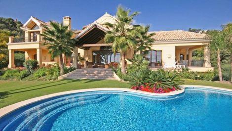 Villa de 6 dormitorios en venta en La Zagaleta – R1949498 en