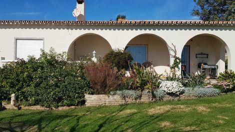 4 bedroom Villa for sale in Estepona – R2998700