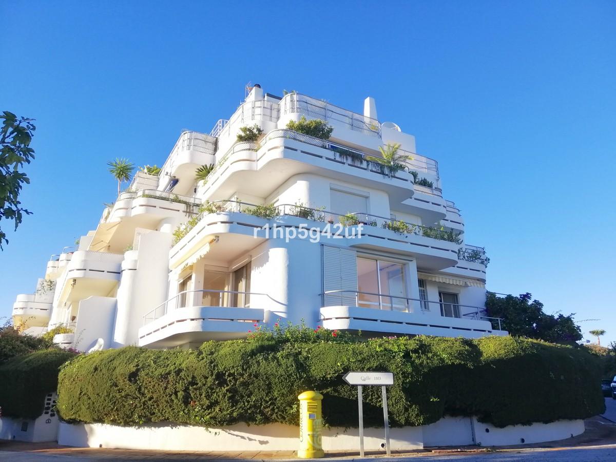 2 bedroom Apartment for sale in Guadalmina Alta – R3318193