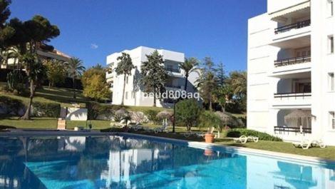 Apartamento de 3 dormitorios en venta en Los Monteros – R3576613 en