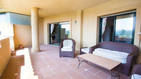 Atico de 3 dormitorios en venta en Guadalmina Alta – R3470581 en
