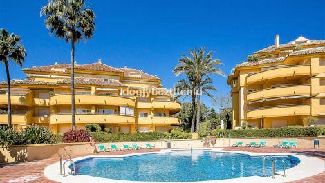 Apartamento de 3 dormitorios en venta en Río Real – R3134710 en