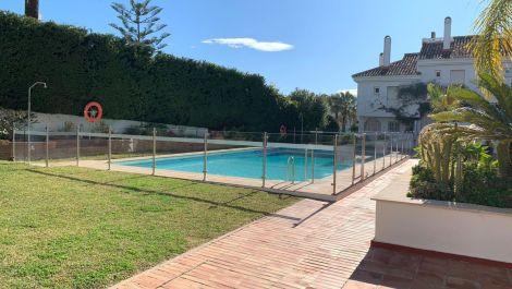 3 bedroom Apartment for sale in Puerto Banús – R3554815