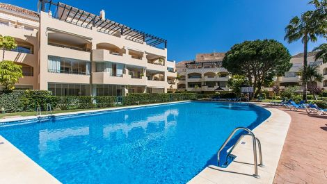 4 bedroom Penthouse for sale in Elviria – R3290851