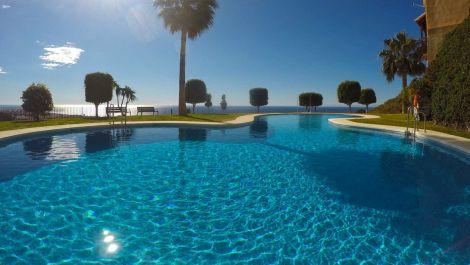 4 bedroom Apartment for sale in Calahonda – R3447961