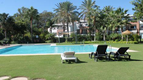 2 bedroom Penthouse for sale in Estepona – R3549703