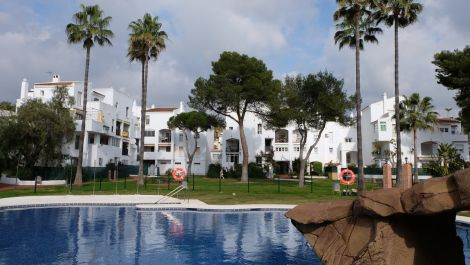 3 bedroom Apartment for sale in Elviria – R3603416