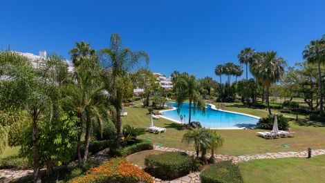 4 bedroom Apartment for sale in Las Brisas – R3552976 in