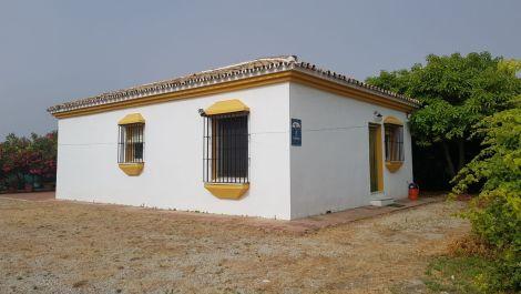2 bedroom Finca for sale in Estepona – R3249628
