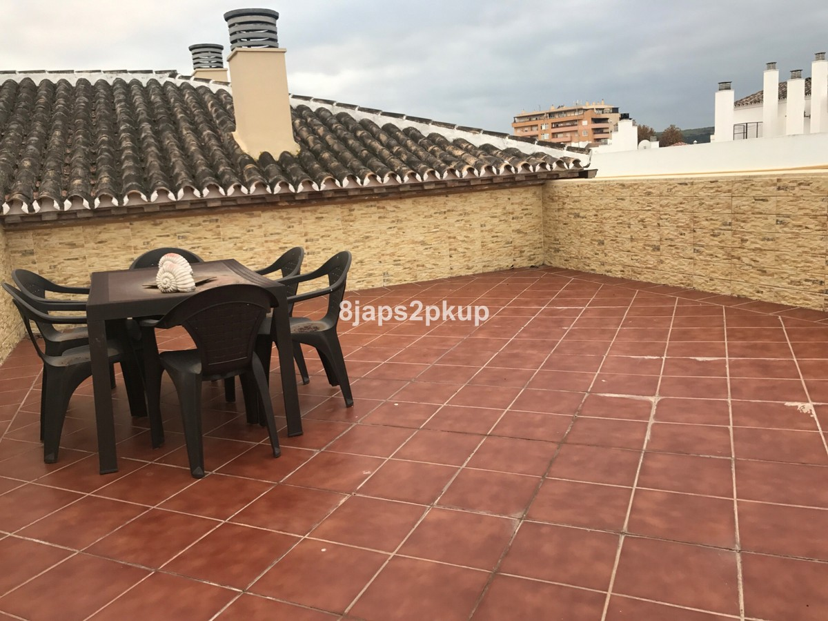 3 bedroom Penthouse for sale in Estepona – R3327139