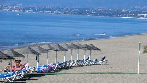 Apartamento de 3 dormitorios en venta en Bahía de Marbella – R828814