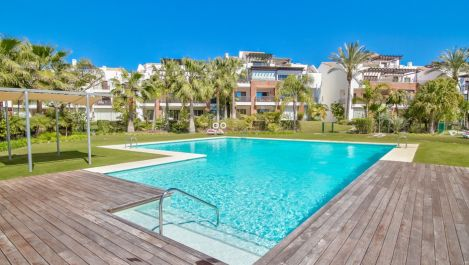 2 bedroom Apartment for sale in Estepona – R3020201