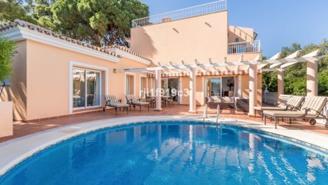 4 bedroom Villa for sale in Elviria – R3413251