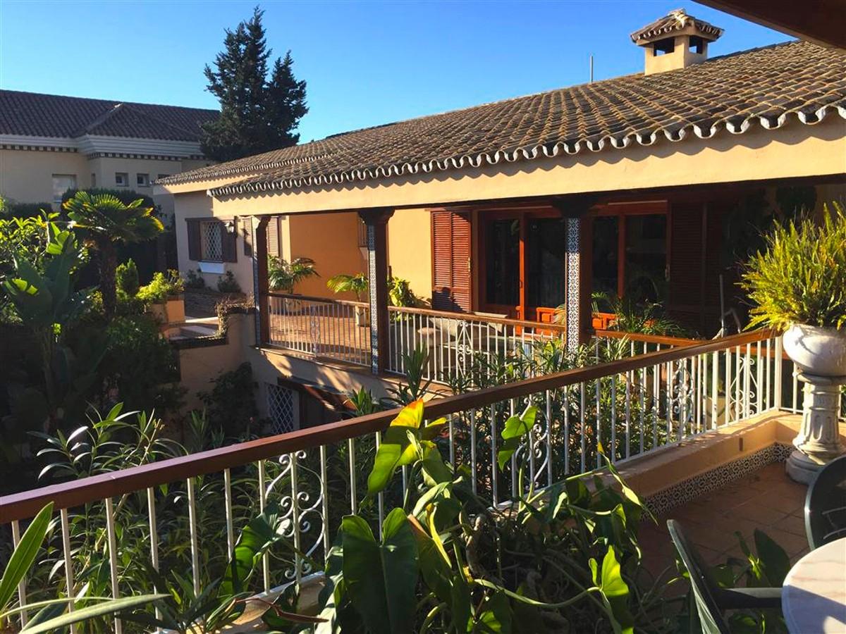 Villa de 4 dormitorios en venta en Río Real – R2828429