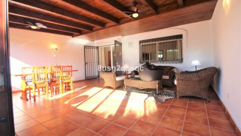 4 bedroom Townhouse for sale in Costalita – R2463776