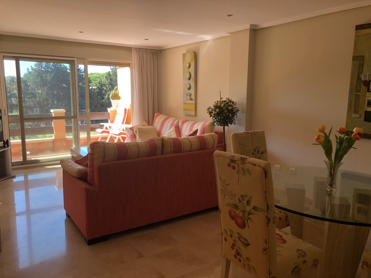 3 bedroom Penthouse for sale in Marbella – R3200092