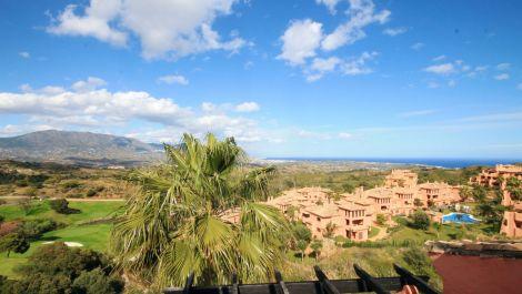 Atico de 3 dormitorios en venta en La Mairena – R3404029 en