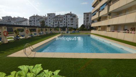 2 bedroom Apartment for sale in Puerto Banús – R3484894