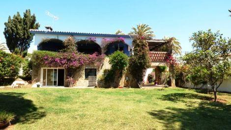 Villa de 3 dormitorios en venta en Marbesa – R2216855 en