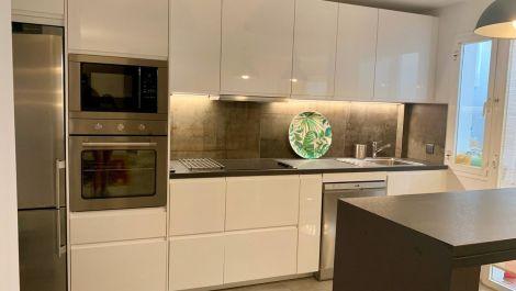 Apartamento de 2 dormitorios en venta en Marbella – R3539293