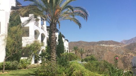 2 bedroom Apartment for sale in Benahavis – R3547948 in