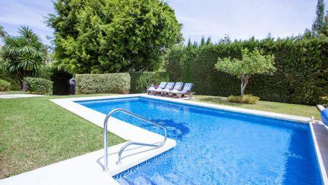 Villa de 3 dormitorios en venta en Los Monteros – R3212182 en