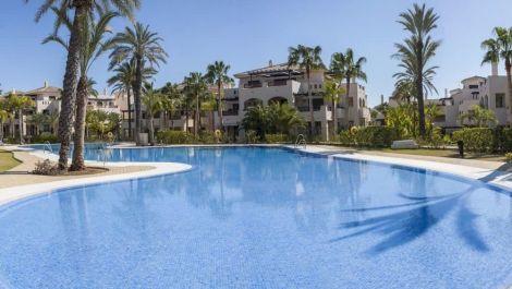 3 bedroom Apartment for sale in Puerto Banús – R3259798