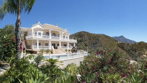 Villa de 4 dormitorios en venta en La Quinta – R2940149
