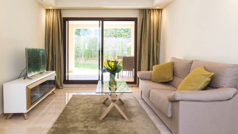 2 bedroom Apartment for sale in Puerto Banús – R3454324