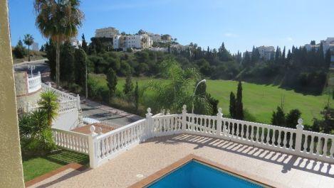 4 bedroom Villa for sale in Riviera del Sol – R3051049