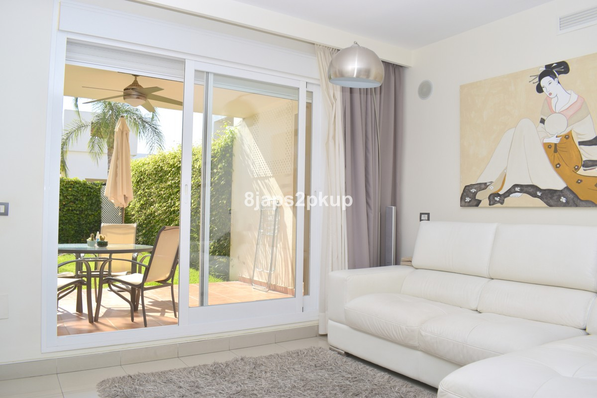 2 bedroom Apartment for sale in Estepona – R3502483